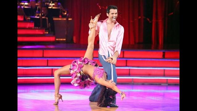 Melissa Rycroft & Tony Dovolani perform a samba on week three of