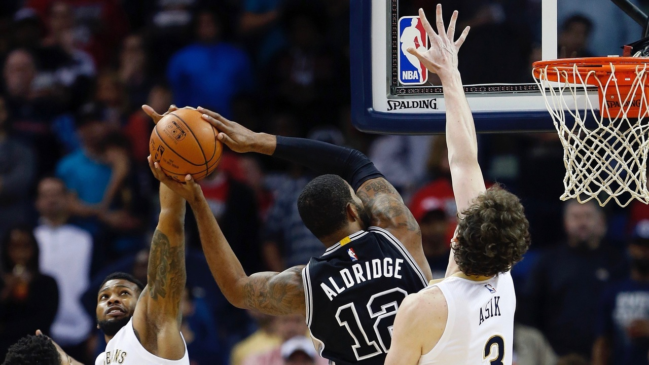 http://media.ksat.com/photo/2015/11/21/Lamarcus-Aldridge-Spurs-Pelicans_1448115907124_485250_ver1.0_1280_720.jpg