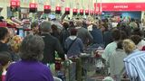 Last-minute Thanksgiving shoppers flock to H-E-B
