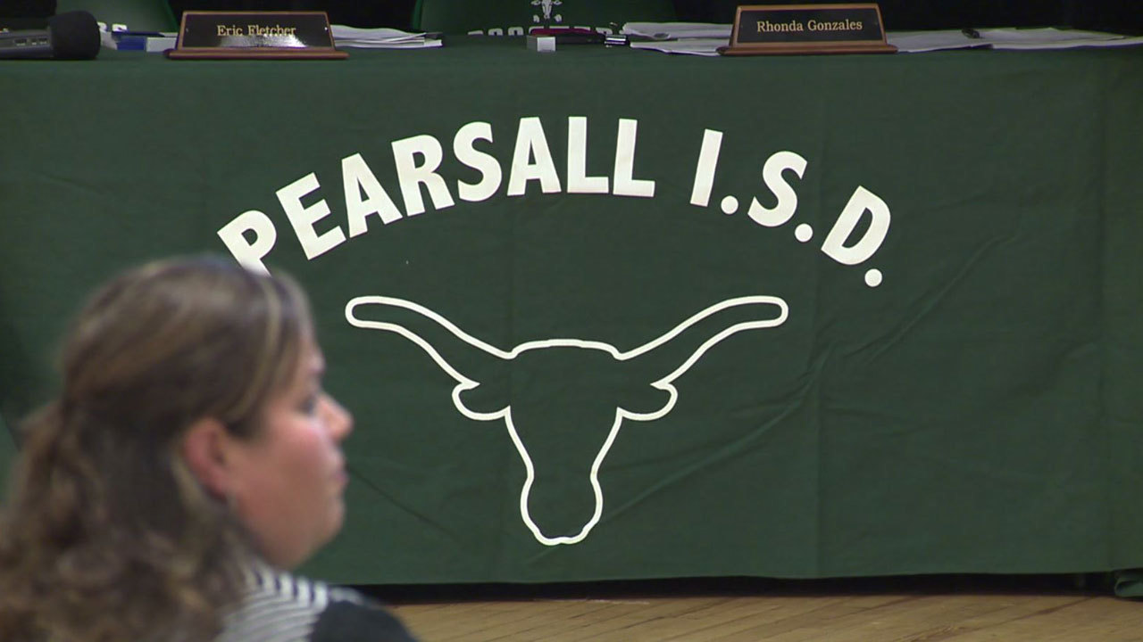 pearsall single girls Join the discussion this forum covers pearsall, tx local community news, events for your calendar, and updates from colleges, churches, sports, and classifieds post your comments on these topics to this board.