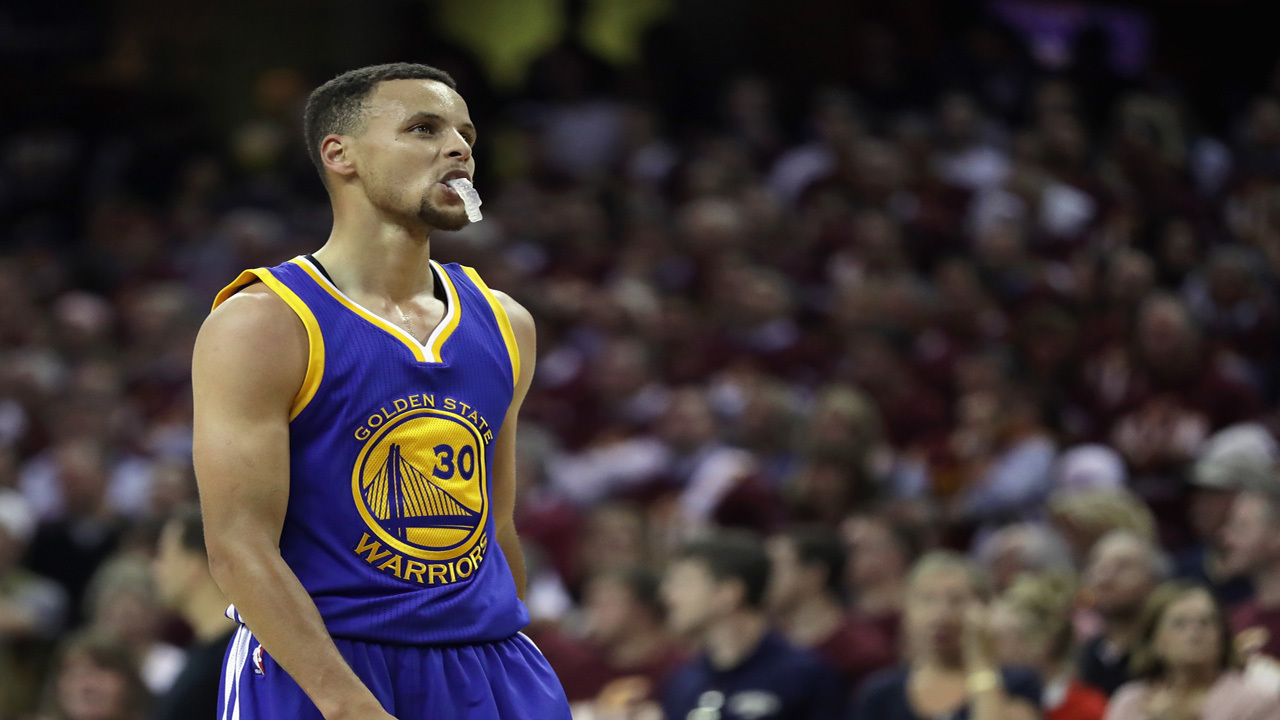 Curry says he needs to play better, Warriors say he will