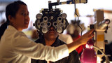 Eye tests could help spot dementia, research suggests