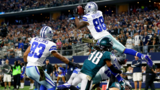Cowboys WR Dez Bryant has hairline knee fracture