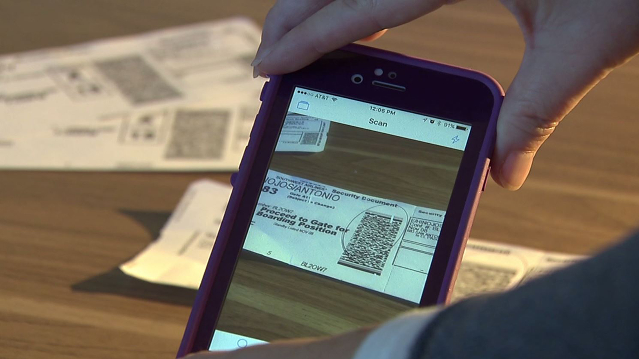 ID thieves target airline paper boarding passes during ...
