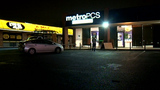 Metro PCS burglary ends in shooting