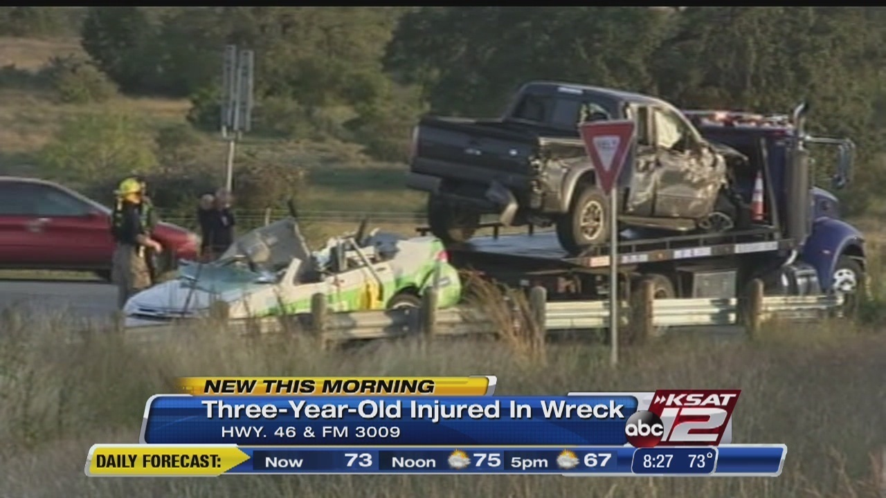 Comal County accident sends mom, toddler son to hospital