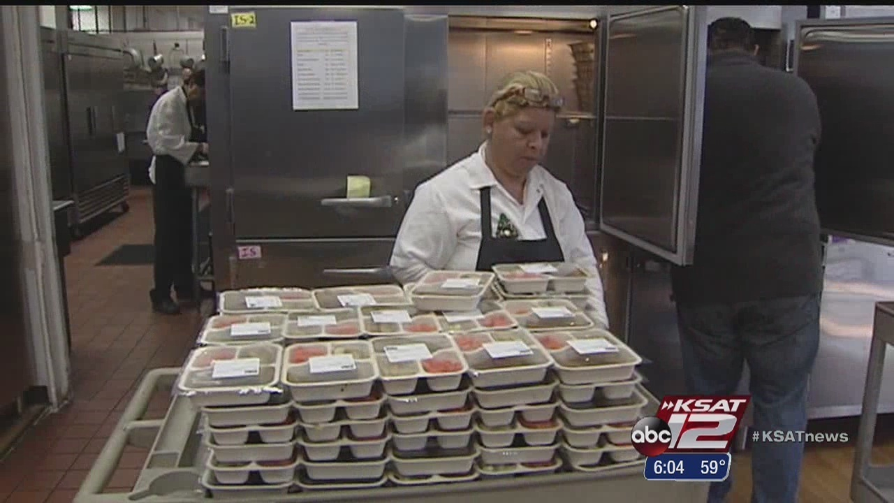 HEB, Meals on Wheels deliver holiday feasts