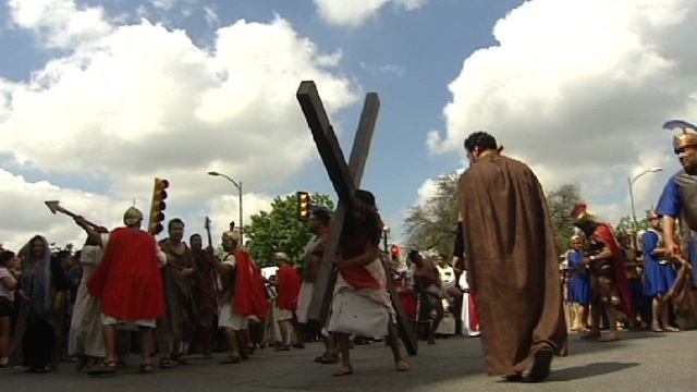 WATCH LIVE: Thousands gather downtown for Passion Play