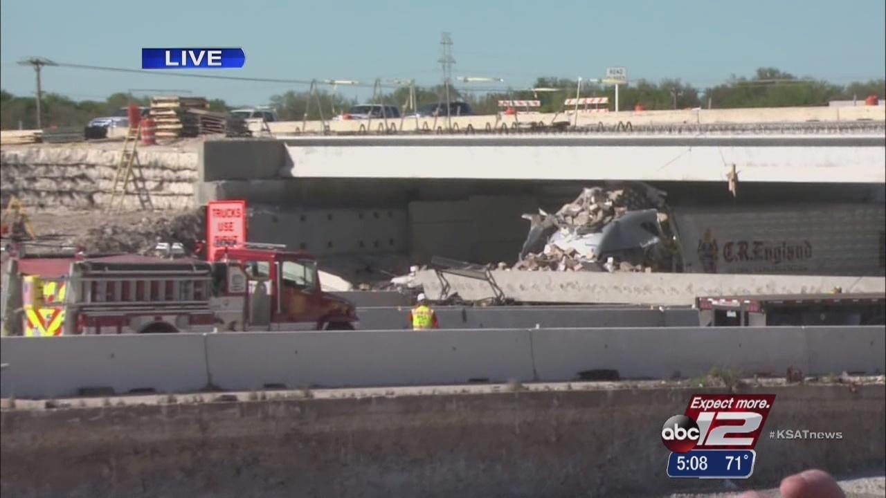 1 killed in bridge collapse in central texas