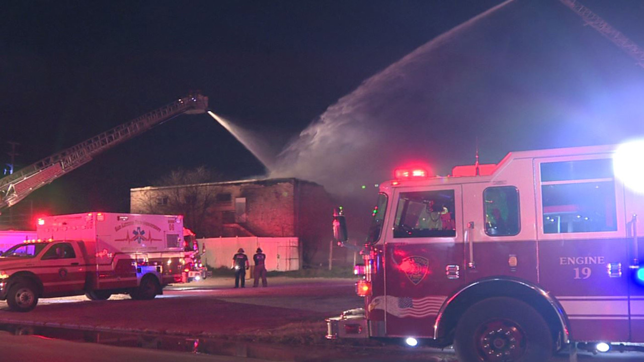 Fire Destroys Antique Shop On Near Nw Side