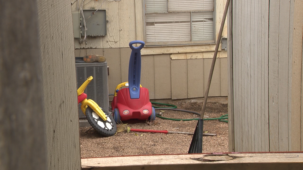 texas deputies find children chained in backyard tied with