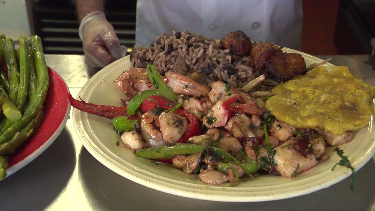 Cuban restaurant showcases authentic caribbean food for Authentic caribbean cuisine