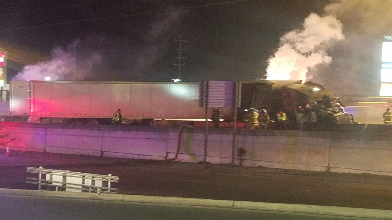 Fiery Crash Involving 18 Wheeler Closes I 35 South At Loop