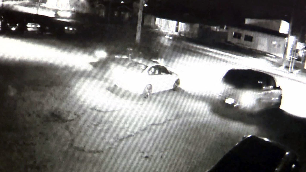 Thieves Steal 6 Cars From Mechanic S Shop On New Year S