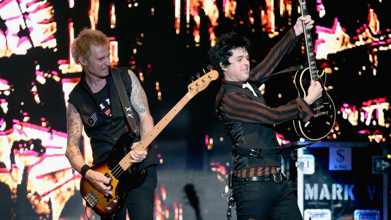 Legendary Punk Rock Band Green Day Sets Sa Concert