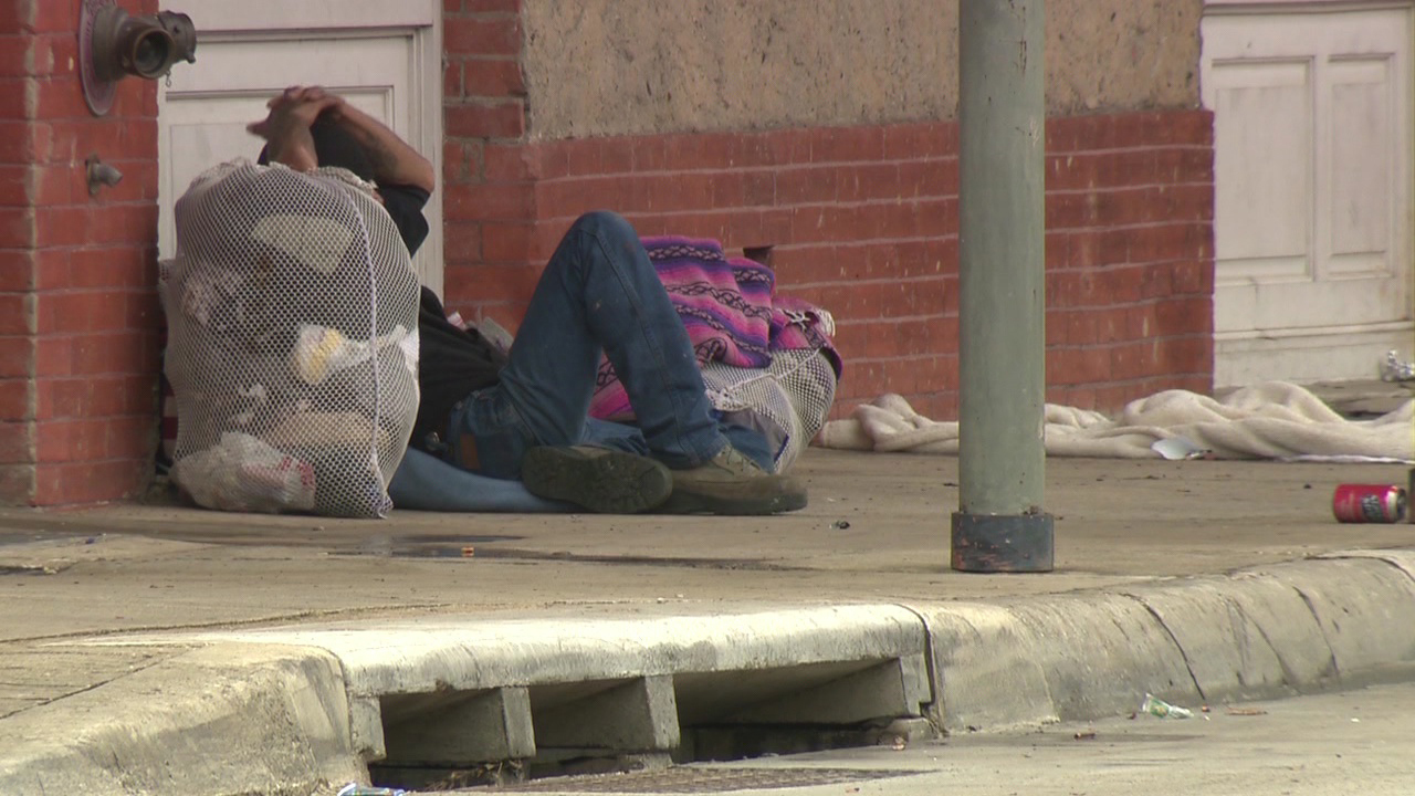 Amry Shelter For Homelss People : Salvation army offering homeless relief from extreme cold