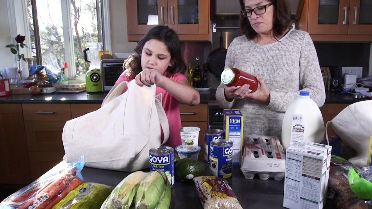 Consumer Reports gives shoppers advice on buying groceries