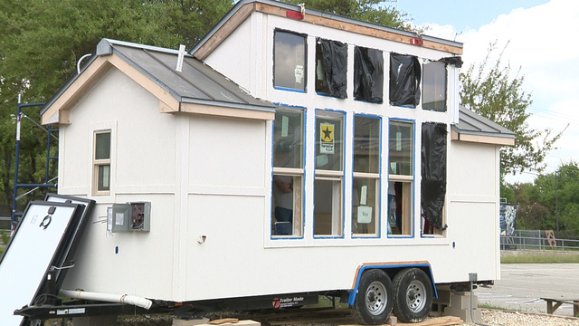 High school seniors showcase final project tiny houses for Small houses for seniors