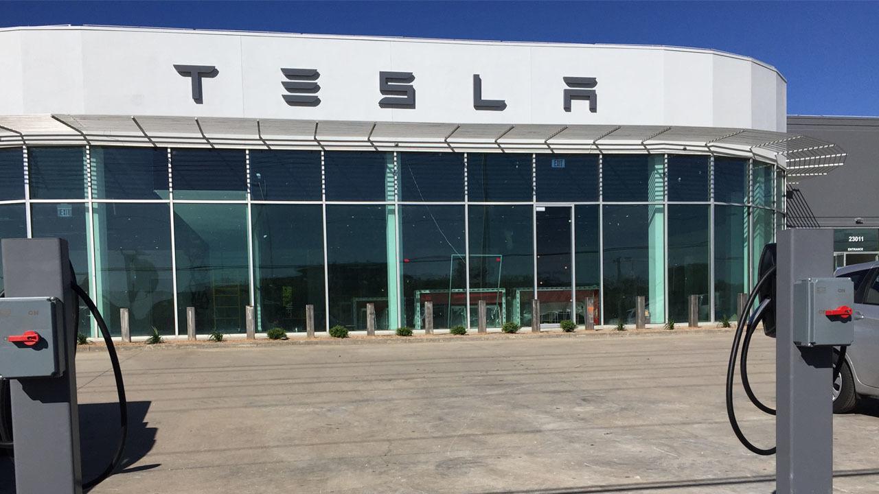 Tesla Showroom Preparing To Open In San Antonio