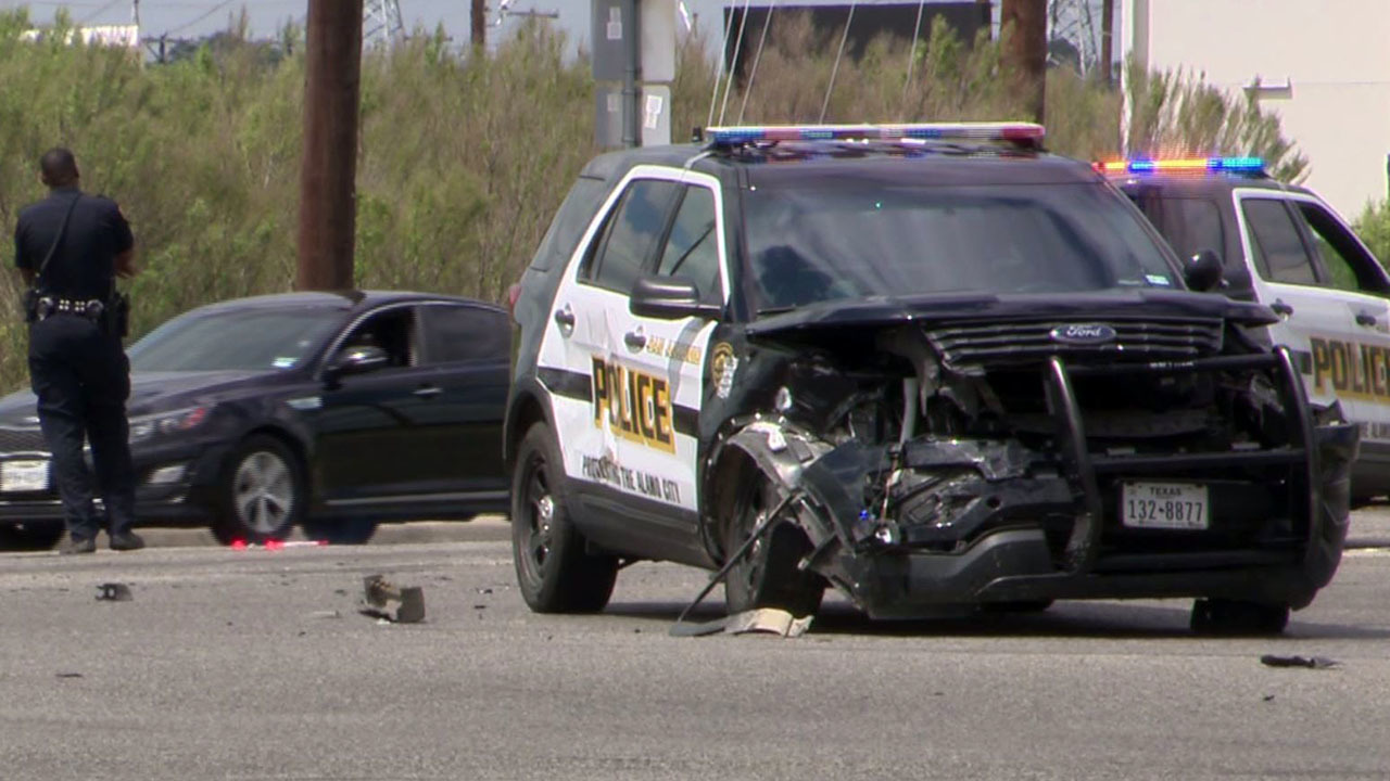 Sapd Officer Injured In Ne Side Crash