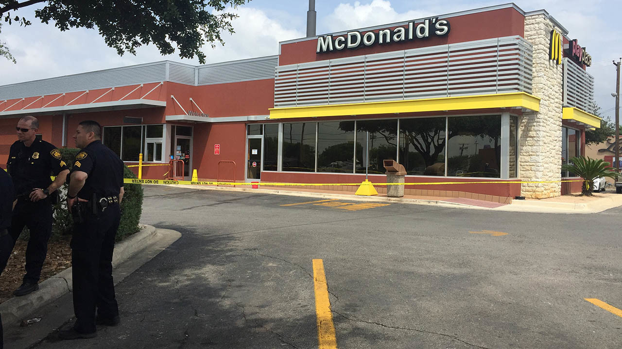 Fight At Sw Side Mcdonald S Ends With Woman S Throat Being