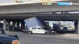 I-35 North at Cevallos Street reopens after big rig gets stuck underneath bridge