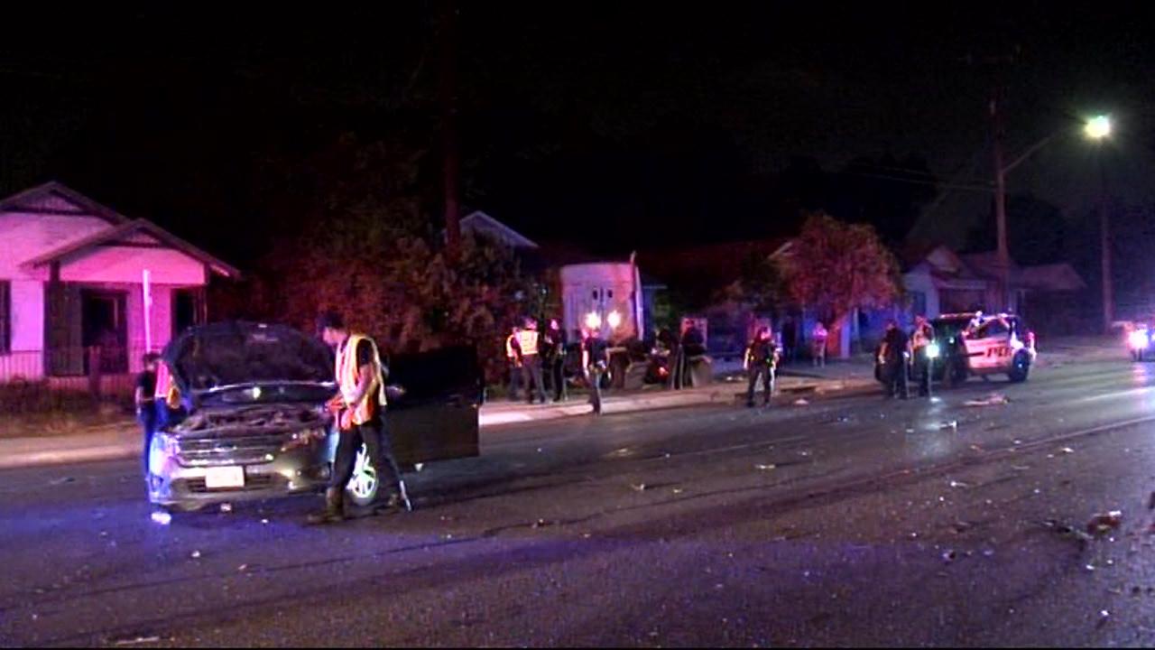 Crash sends 18-wheeler into house