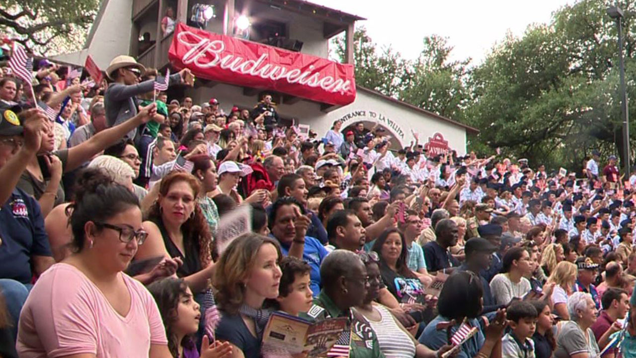 People Fill Arneson Theater For Armed Forces River Parade