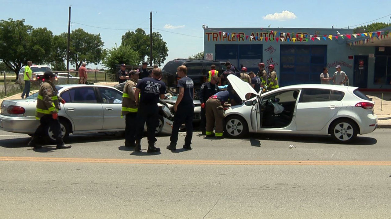 Distracted Driver Cause Of 4 Car Pile Up On Sw Side