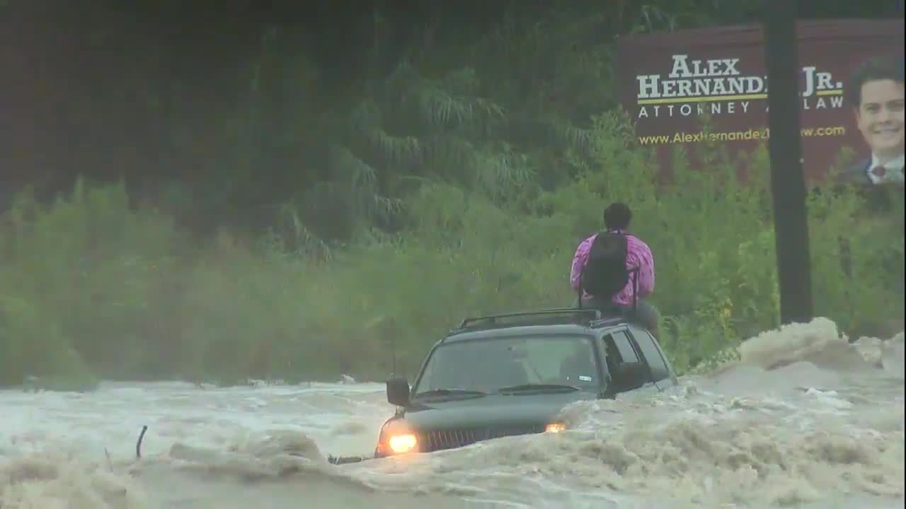 Texas flooding rescue caught on video