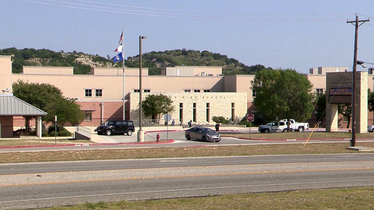 2 Teachers At Kerrville Tivy Hs Accused Of Improper