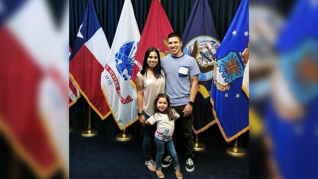 san-antonio-army-viral-dad_1507840379426.jpg
