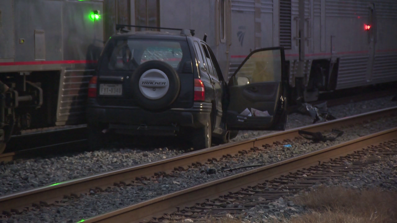 Drivers often ignore barricades at site of fatal train ...