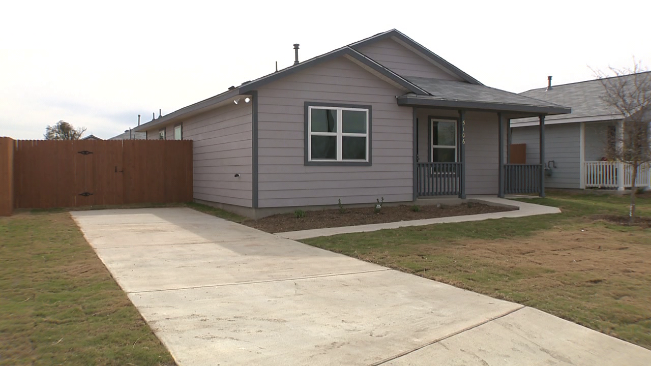 Habitat for humanity closes on last home of 2017 in sa - House habitat ...