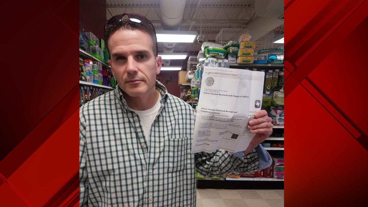 Leon Valley PD seeks man accused of fraudulent use, possession of identifying information