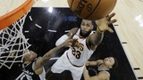 Murray, Spurs soar past Cavs as LeBron hits 30,000 career points