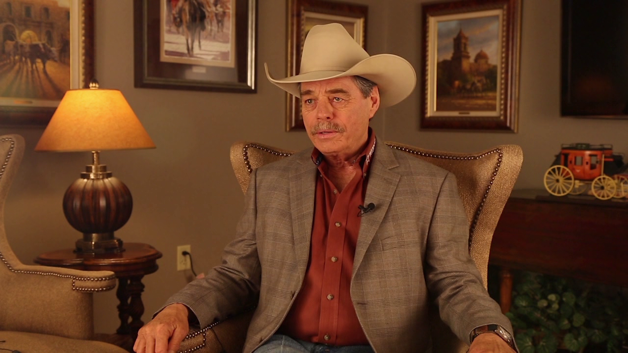 Rodeo Announcer Has Big Voice To Fill