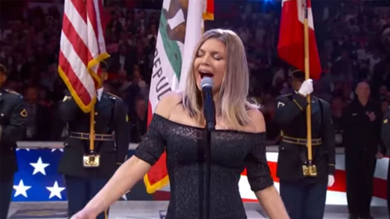 Twitter Hilariously Trolls Fergie S National Anthem Performance