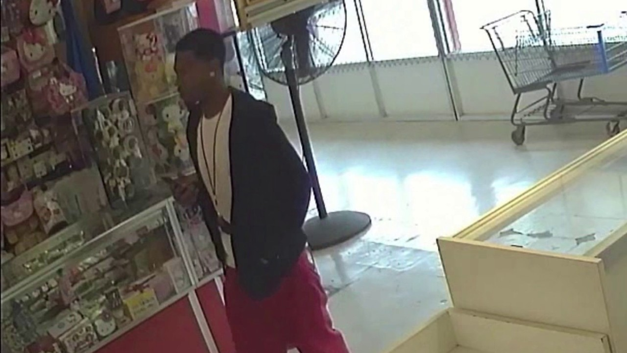 Police believe man seen in surveillance video tied to flea market murder