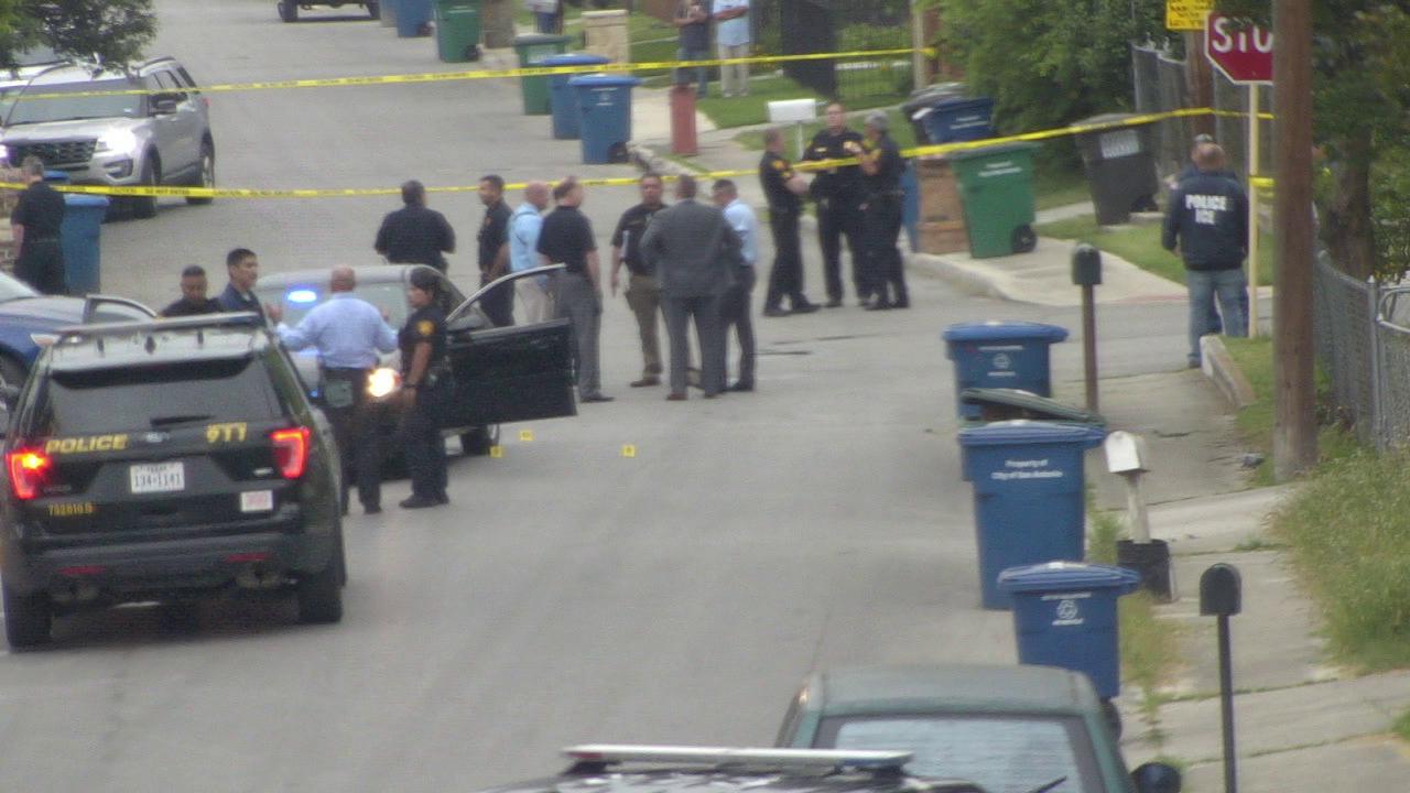 Ice Agent Shoots Kills Armed Man On Sw Side Fbi Says