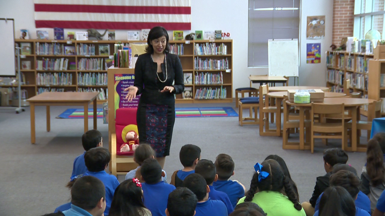 Council Members Visit Schools To Celebrate Tricentennial