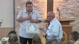 Ohio man travels to Sutherland Springs to present artwork to victims' loved ones