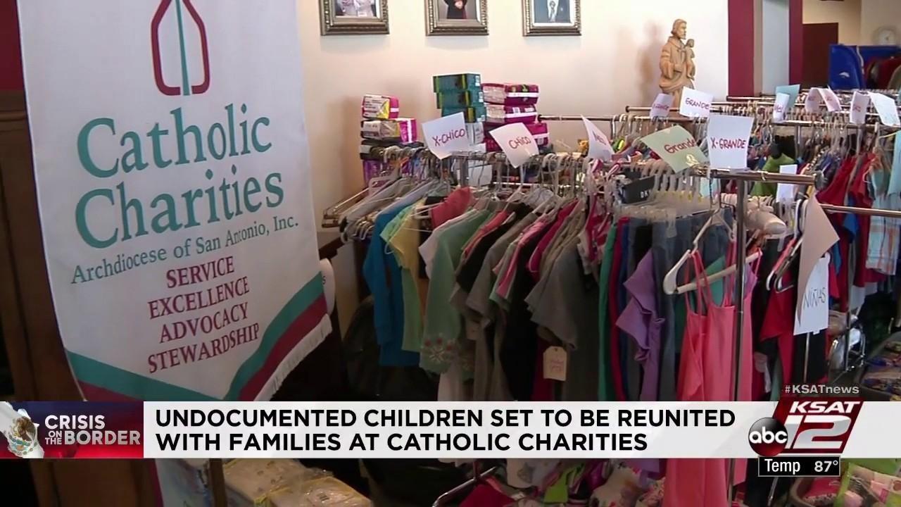 Catholic Charities volunteers prepare for immigrant family