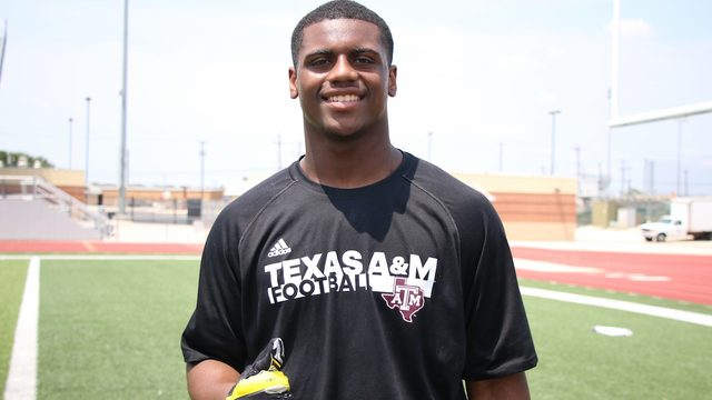 Family and football: Why DeMarvin Leal chose Texas A&M, expectations for season