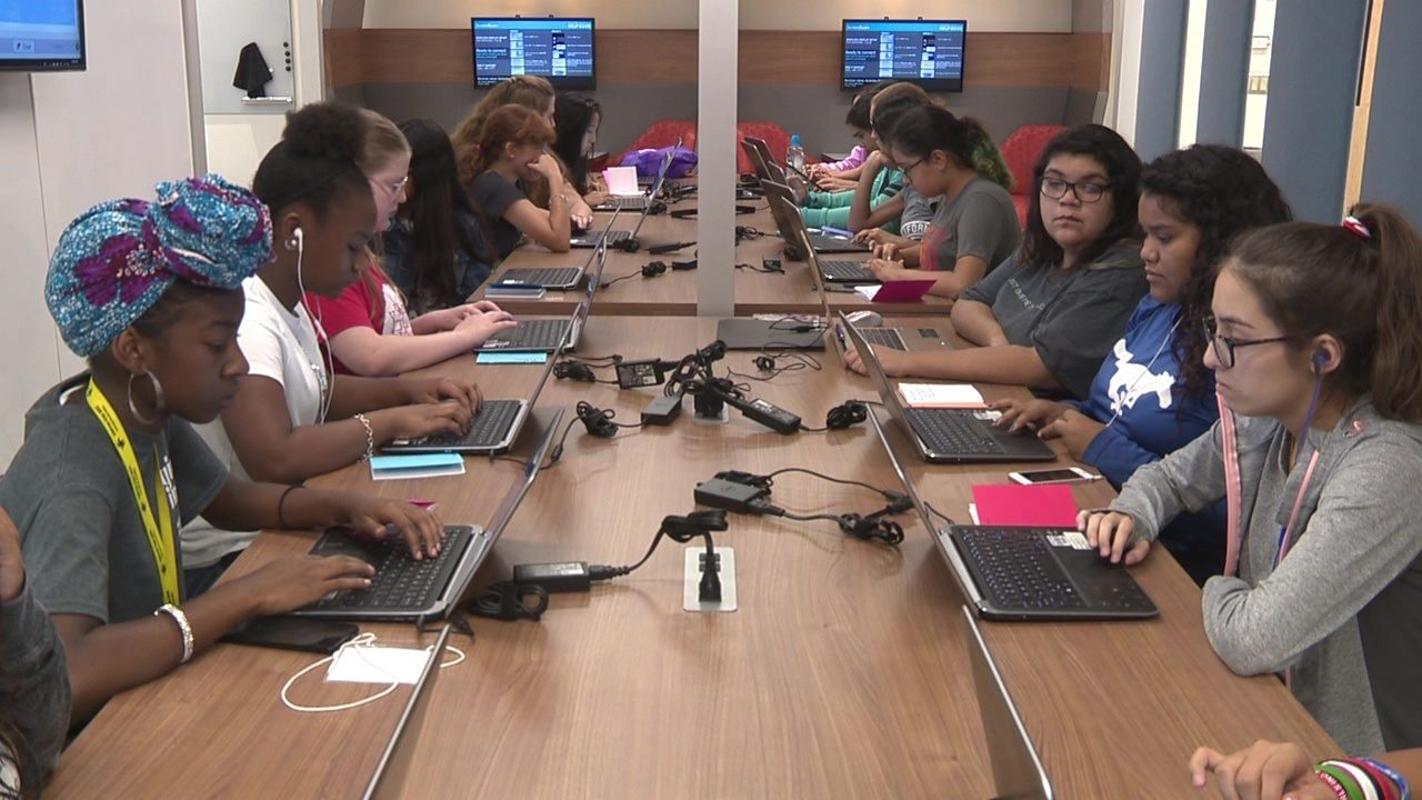 Blake's Brainiacs: Middle schoolers learn to build apps at free, all-girl coding camp on South Side