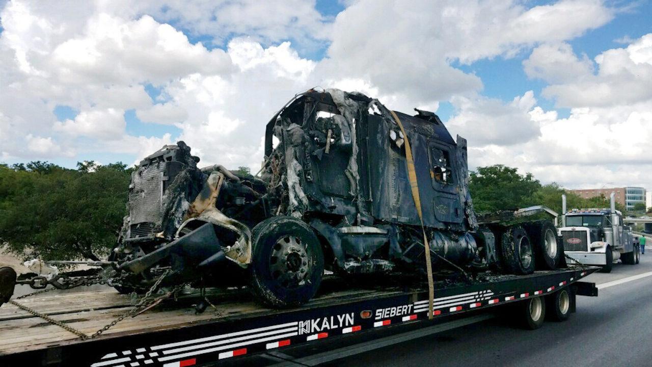 Fiery big rig crash on Highway 281, Hildebrand causes traffic