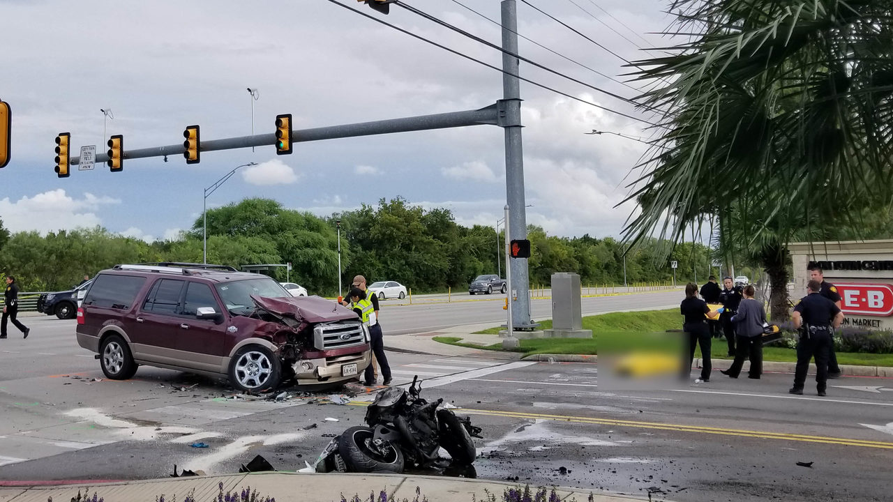 SAPD: Motorcyclist dies after colliding with turning SUV