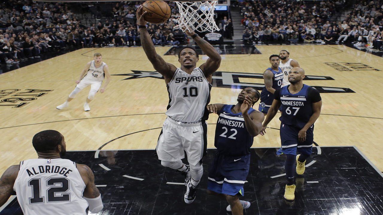 2743d07c8 DeRozan leads Spurs past Wolves in debut with new team