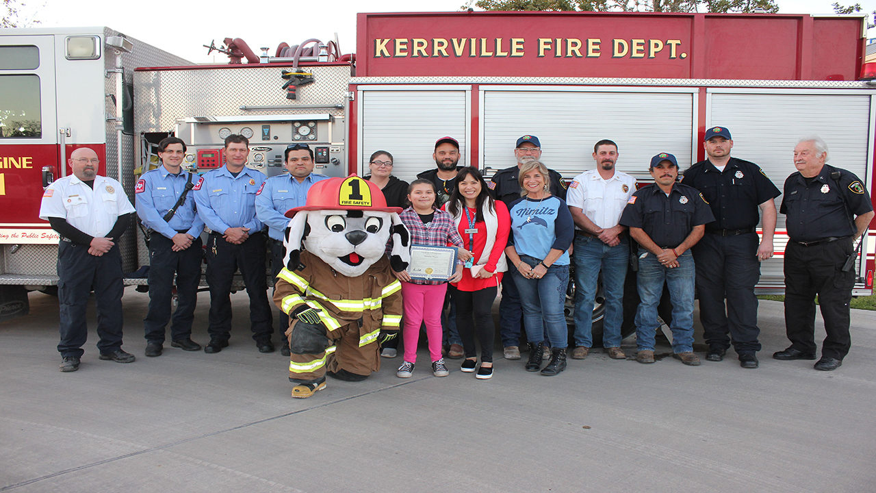 Girl S Lifesaving Actions Recognized By Kerrville City Council