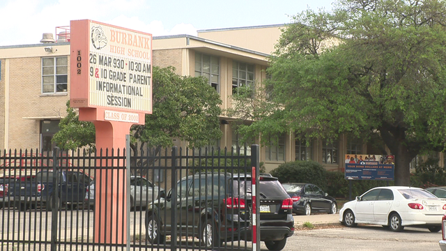 SAISD board approves management contracts for 19 schools